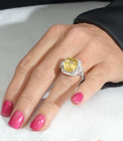 jenny-mccarthy-engagement-ring